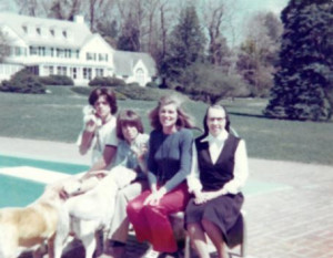 Eunice Shriver with her children and Sister Paulus